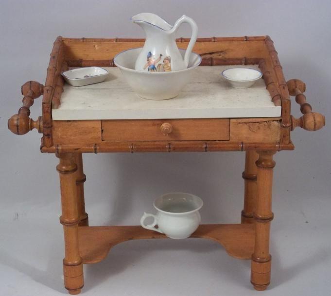 Table de toilette en pitchpin avec dessus bois peint fa on for Prix du gravillon blanc