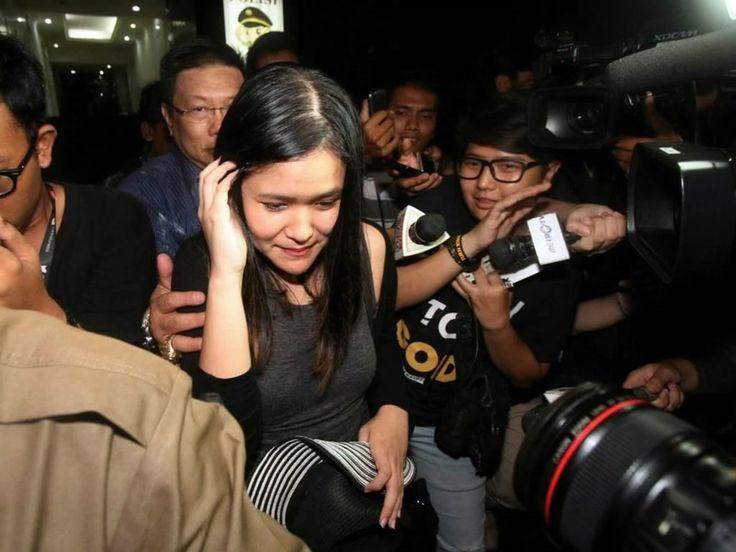 Motif Jessica Bunuh Mirna karena Iri, Bukan LGBT - http://efekgila.com/motif-jessica-bunuh-mirna-karena-iri-bukan-lgbt/