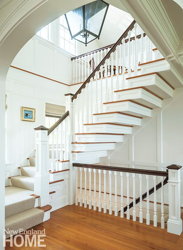 Light, open and airy! | #StaircaseIdeas.