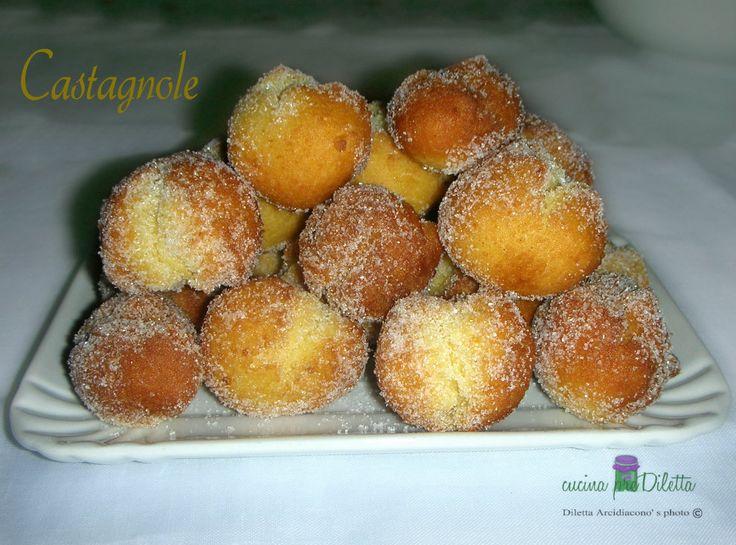 Le castagnole sono uno dei dolci tipici del carnevale. Le castagnole vengono chiamate così proprio per la loro forma che assomiglia alle castagne (così.....