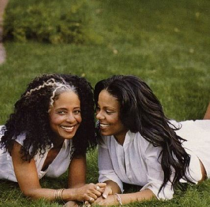 """S. Lathan and her Mom in """"O""""..."""