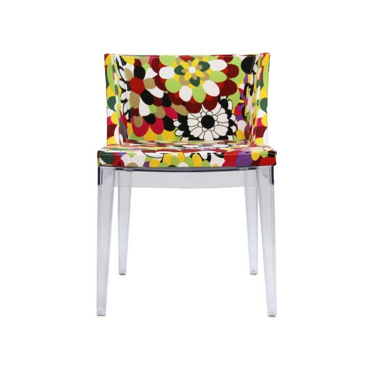 Silla estilo  Mademoiselle con base transparente es ideal para dar color a tu espacio.Materiales: Base Policarbonato. Asiento tapiz.Medidas: An 50 cm La 47 cm Al 77 cm