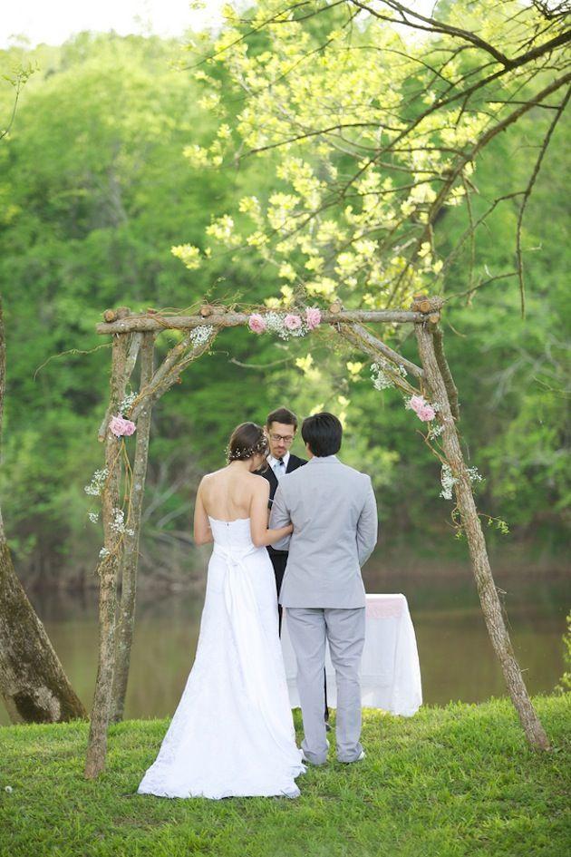 DIY rustic ceremony arch | live View Studios | Bridal Musings