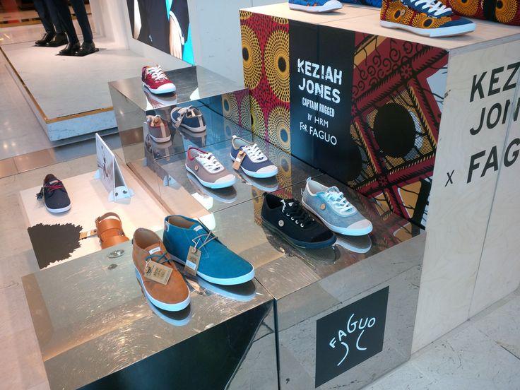 comfort young shoes display setup