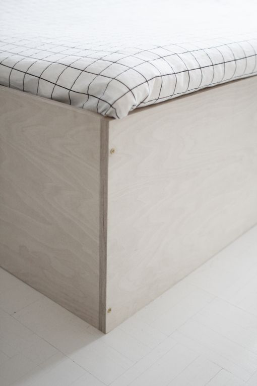 Plywood. I just love the bed Varpunen and Anna Lindström made of it.