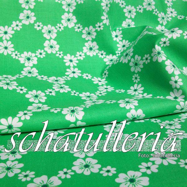Stoffe gemustert - Patchworkstoffe Meterware Grün mit Blumenrauten - ein Designerstück von Schatulleria-Ohrt bei DaWanda
