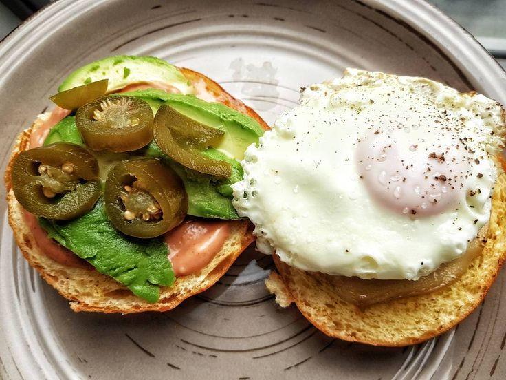 Saturday morning breakfast  #burger #egg #cheese #avocado #light #pic #picoftheday #chef #cheflife #chefsofinstagram