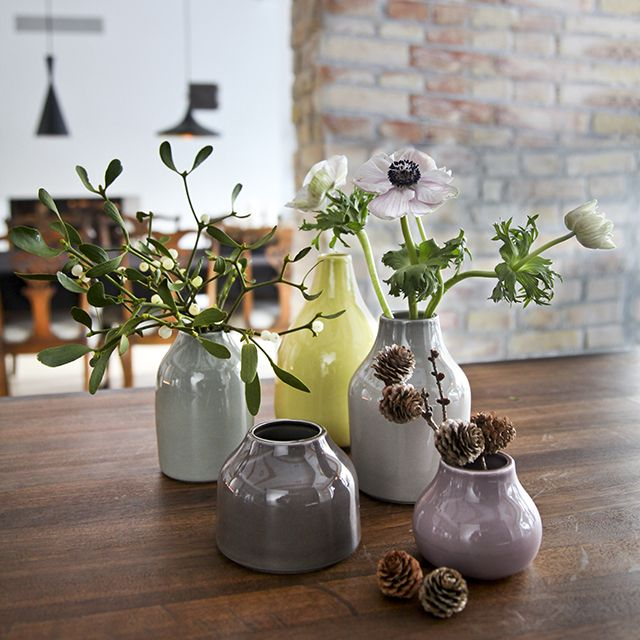 The very Nordic and transparent colour spectrum of the beautiful, large Botanica vases have gained much popularity and already decorate in many homes. The Botanica mini is a playful miniature version of the already existing vases and they are in perfect harmony with the miniature design trends of the season.