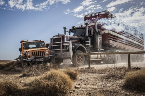 Wolf Creek 2 2014 Review - truck full of cash