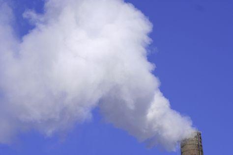 Emissioni di Co2, secondo il report di EcoWay le aziende italiane sono sempre più efficienti. Male Puglia e Lazio