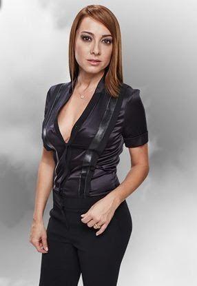 Dolunay soysert (nacido el 25 de marzo de 1973) es un turco actriz.     Biografía   Dolunay soysert nació en Adana. Es licenciada en Arq...