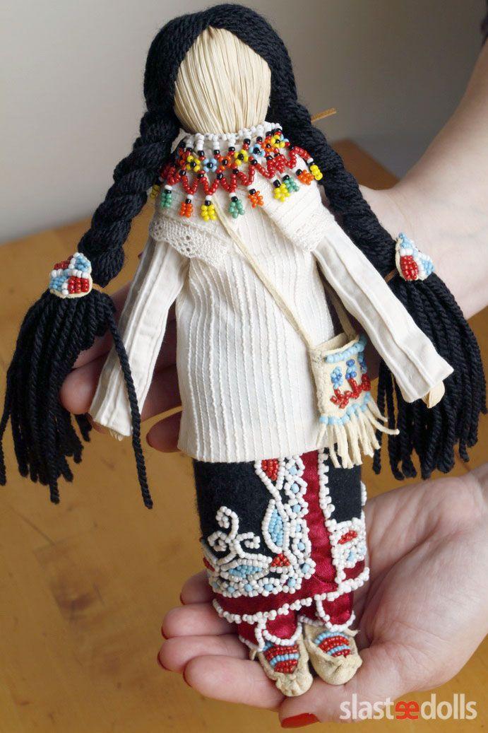 Corn dolls Iroquois(Seneca) Corn husk, cotton, wool, glass, silk, skin by Slastidolls