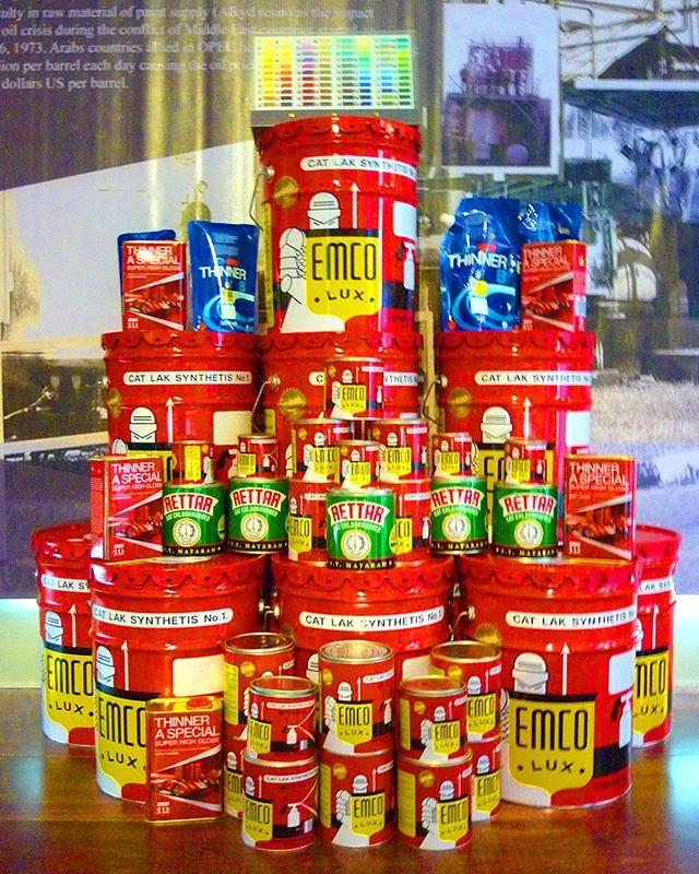 PT Mataram Paint berawal dari hasrat dua sahabat memproduksi cat asli Indonesia. Setelah 67 tahun, hasrat itu tak hanya berhasil merengkuh seluruh Indonesia, cat EMCO juga menjadi favorit berbagai kalangan, dari tukang bangunan, arsitek, hingga seniman. Dapatkan produk PT Mataram Paint di toko cat terdekat. Lihat warna-warni catnya di www.matarampaint.com.  #EMCOLUX #COLORtorial #catkayubesi #warna #ngecat #surabaya #jakarta #depok #tangerang #bogor #bekasi #bandung #bali #banyuwangi…