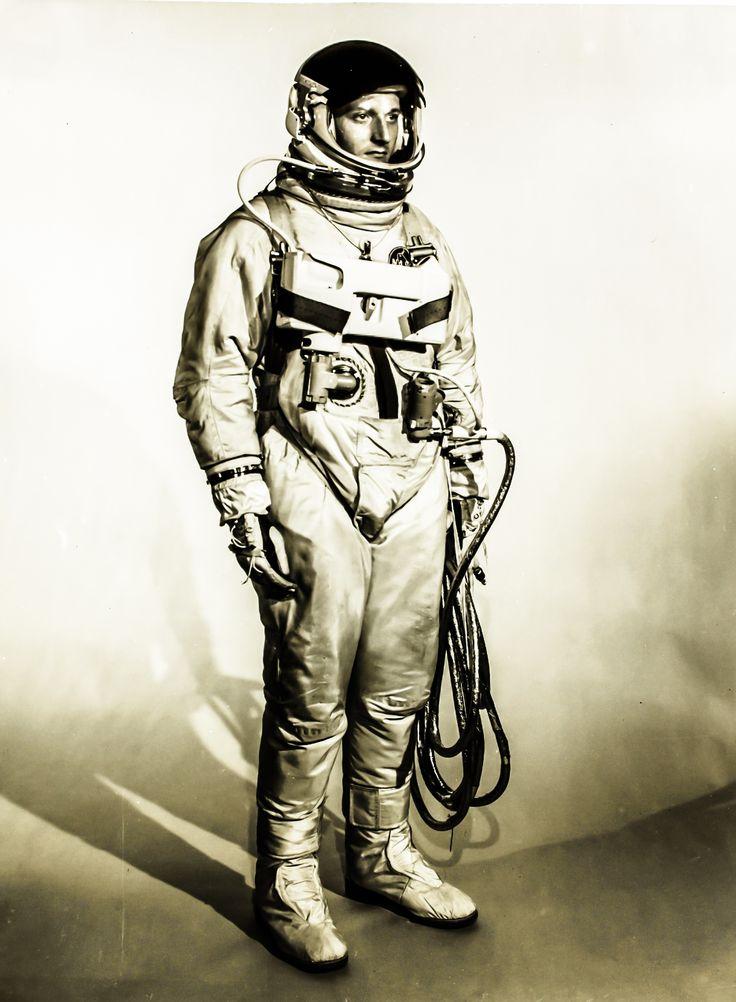 retro space suits - photo #5