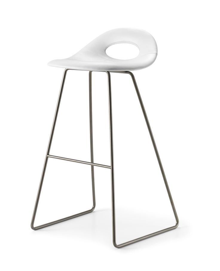 Full padded full height SayO Bar Stool with metal legs.Find out more on www.sayo.dk.
