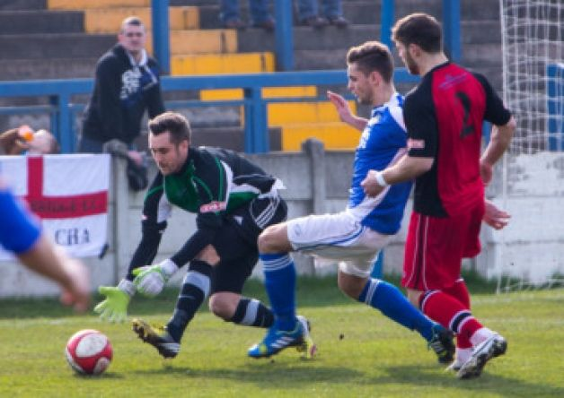 A rousing performance from the Dolly Blues saw them swat aside Ossett Town and remain in a three-way battle for the fifth and final play-off...