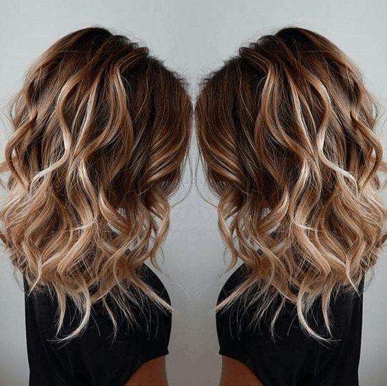 20 modische mittellange Frisuren für den Herbst – Ideen für mittlere Haare