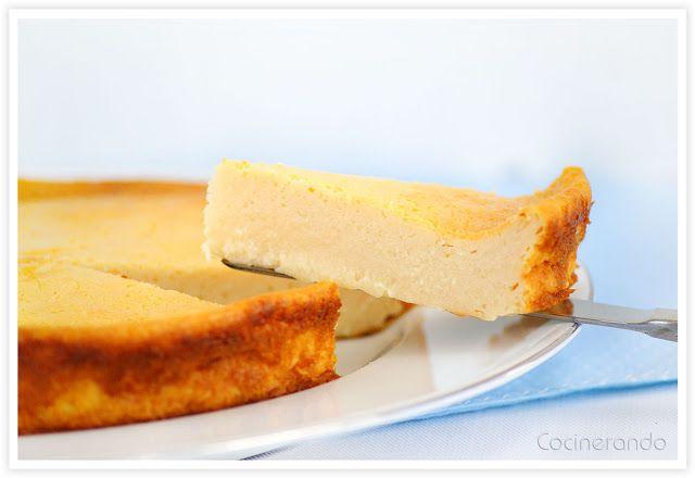 "Pastel de Queso light horneado. 150 gr. queso de untar ""light"", 250 gr. yogur natural desnatado, 2 huevos, 80 gr. azúcar, 2 cucharadas soperas de maicena, 1 cucharadita de esencia de vainilla"