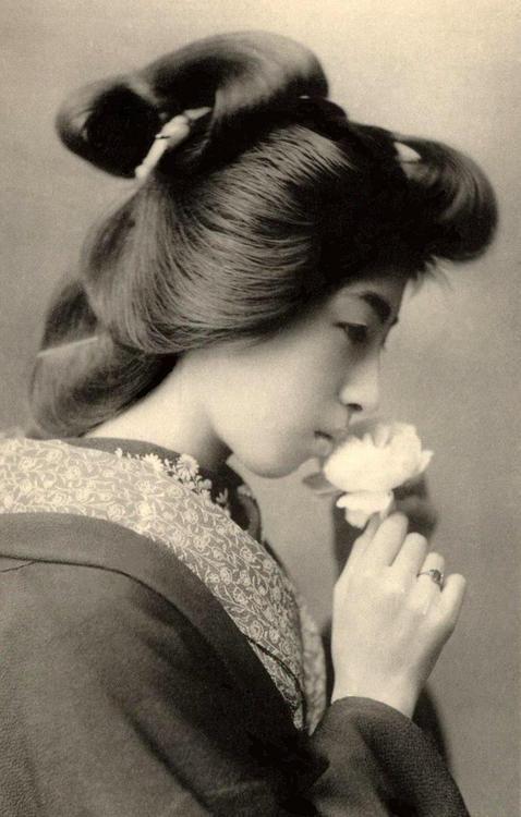 silentcuriosity:    Geisha- Japan, Vintage photo, 1800's