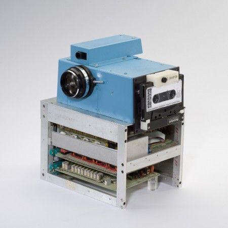 La prima fotocamera digitale - 1975