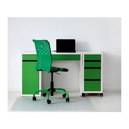 micke schreibtisch wei gr n ikea children pinterest micke schreibtisch schreibtische. Black Bedroom Furniture Sets. Home Design Ideas