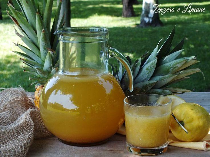 Fresca, ultra dissetante e buonissima! Ecco gli aggettivi perfetti per definire questa limonata con ananas lievemente aromatizzata alla cannella.