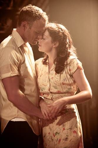 Elliot Cowan and Ruth Wilson in A Streetcar Named Desire