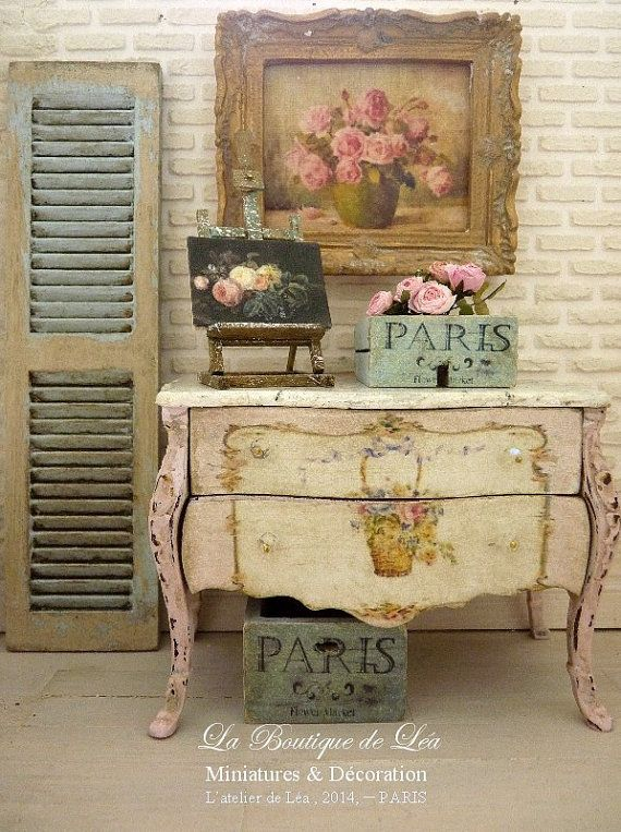 Marie-Antoinette distressed Shabby pale pink,  Chest of drawers - 1'' SCALE - French dollhouse furniture in 1:12th scale