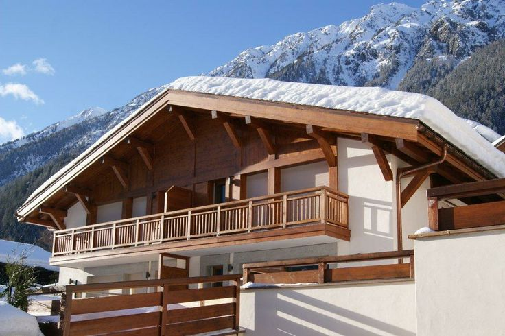 If you haven't read our article on Winter Romance, please have a look on our website ! You can't miss it ! It is THIS chalet we are talking about, combination of charm and tradition in the unique place of Chamonix - Mont Blanc! It can be yours if you want to...#Pin it !