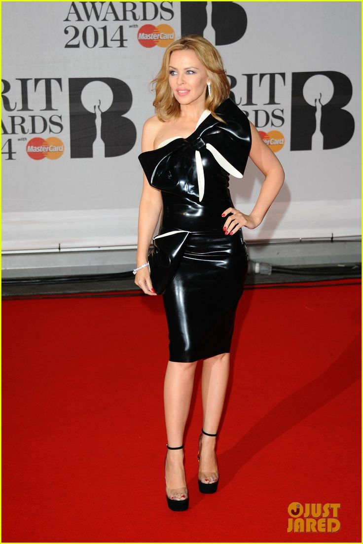 Kylie Minogue: BRIT Awards 2014 with Sister Dannii Minogue! | 2014 BRIT Awards, Dannii Minogue, Kylie Minogue Photos | Just Jared