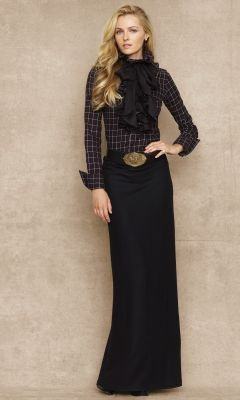 This is a great way to wear that black skirt I pinned. Polished and flattering. Although I think a button-down and scarf would serve most people better.