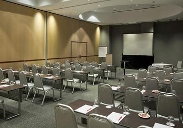 ILUNION Pío XII es un #hotel con salas de #reuniones. http://www.ilunioncaletapark.com/ #madrid #ILUNION #eventos