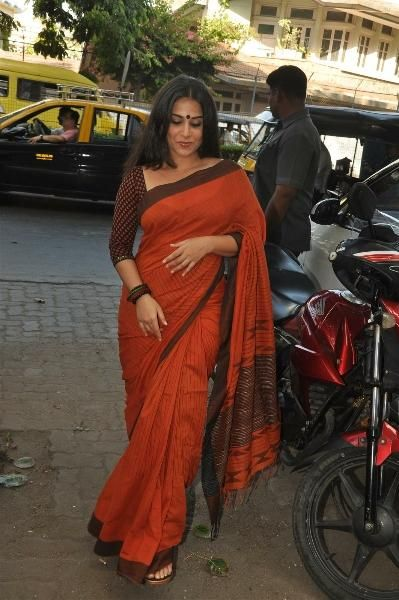 Is there a curve in Vidya's body this Sabyasachi saree doesn't accentuate?