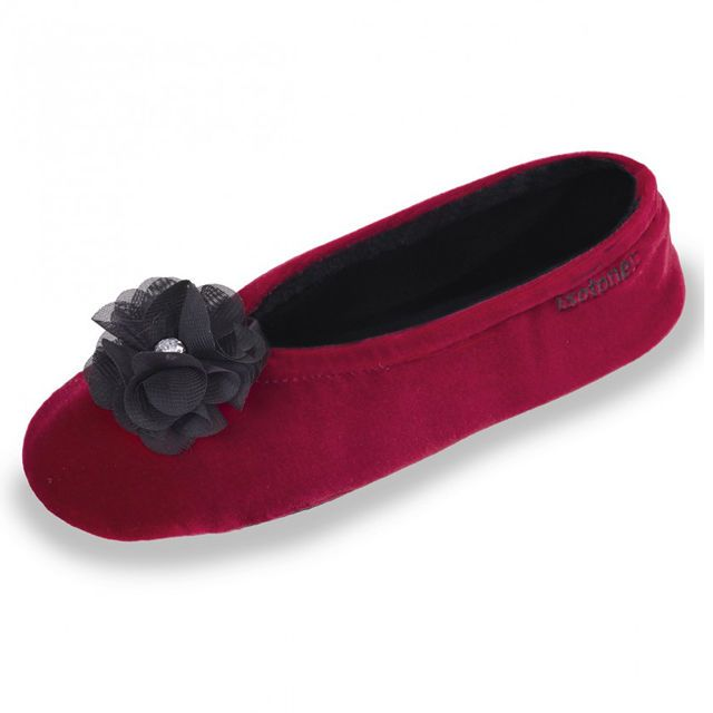 Ballerina Velours Red #Slippers ISOTONER (Founded in 1880) is the number 1 brand, for slippers, on the french market.  Type : Slippers Material : 94% Polyester - 6% Spandex Lining : 78% Cotton - 18% Polyester - 4% Spandex Inside sole : 78% Cotton - 18% Polyester - 4% Spandex Sole : Rubber Heel : 0 cm Care : Machine washable