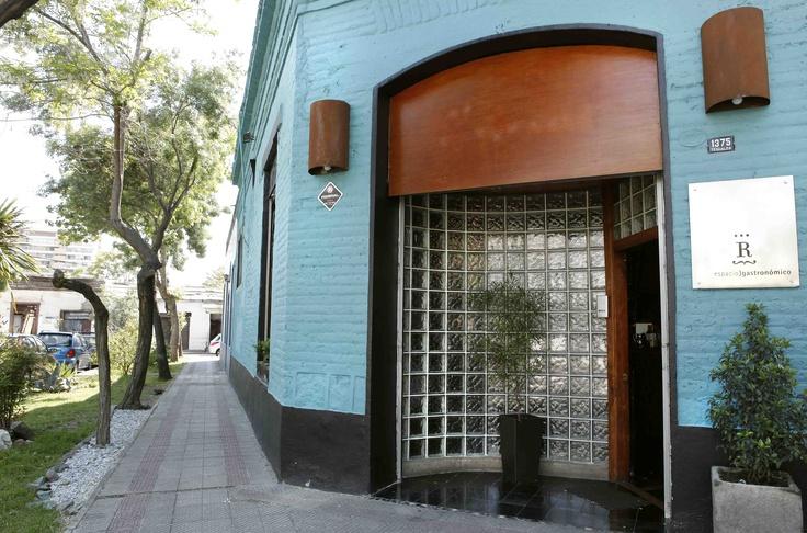 El Espacio Gastronómico, en la esquina de Tegualda y Lautaro, pleno Barrio Italia (Santiago de Chile).