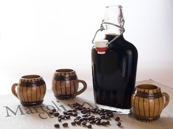 LIQUORE AL CAFFE' E VANIGLIA #liquore #caffè #vaniglia #natale #regalo