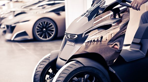 Peugeot Onyx Scooter - The making of by Romain Bucaille, via Behance