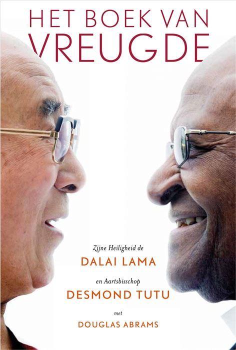 Het boek van vreugde  De Dalai Lama en Desmond Tutu hebben beiden veel tegenslagen moeten overwinnen. Ondanks hun ontberingen - of zoals ze zelf zeggen dankzij hun ontberingen - behoren ze tot de vrolijkste mensen ter wereld. Ter gelegenheid van de 80e verjaardag van de Dalai Lama reisde Desmond Tutu naar Dharamsala om samen HET BOEK VAN VREUGDE te maken als cadeau voor iedereen. Tijdens deze bijzondere week toonden ze met hun eigen uitbundigheid compassie en humor hoe vreugde kan groeien…