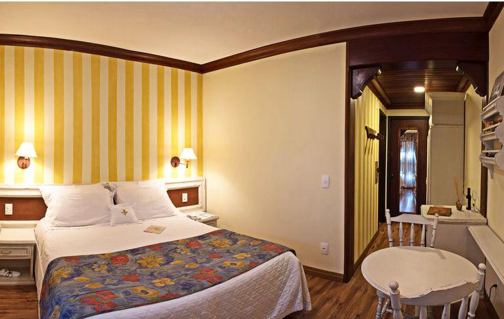 Visão de um dos apartamentos Luxo Especial do Hotel Casa da Montanha localizado no centro de Gramado RS.  #hotelcasadamontanha #hotelemgramado #hoteisemgramado #gramado #serragaucha