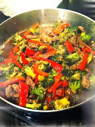 Beef and Broccoli stir fry **virgin diet*** 2 1/2 Tbsp arrowroot powder, divided 1/4 tsp salT, 3/4 lb grass fed NY strip steak, thinly sliced, 2 tsp olive oil, 1 cup chicken broth, divided, 5 cups broccoli florets, 2 Red bell peppers 1 Tbsp ginger root, fresh, grated, 2 tsp minced garlic, 1/4 tsp red pepper flakes 1/4 cup coconut aminos, 1/2 cup water Combine 2 Tbsp arrowroot powder and salt and toss beef in it. I also added sweet yellow onion.