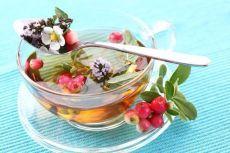 Травяные, цветочные и ягодные чаи – когда их пить и чем они полезны!