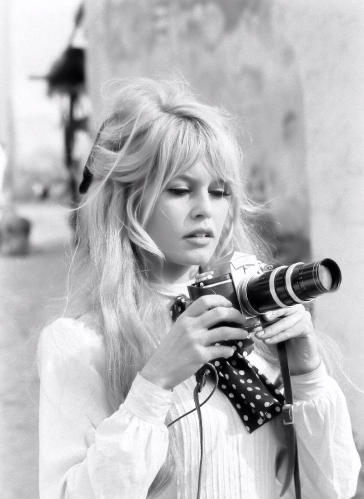 Η Brigitte Bardot, τη δεκαετία του '60, εμπιστευόταν τη φροντίδα των μαλλιών της στον Patrick Alès, τον ιδρυτή της PHYTO Paris. Και το αποτέλεσμα ήταν υπέροχο!