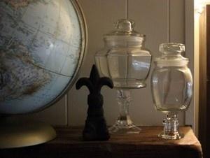DIY apothecary jars: Crafts Ideas, Dollar Stores Crafts, Diy Apothecaries, Apothacari Jars, Stores Apothacari, Guest Bloggers, Diy Dollar, Someday Crafts, Apothecaries Jars