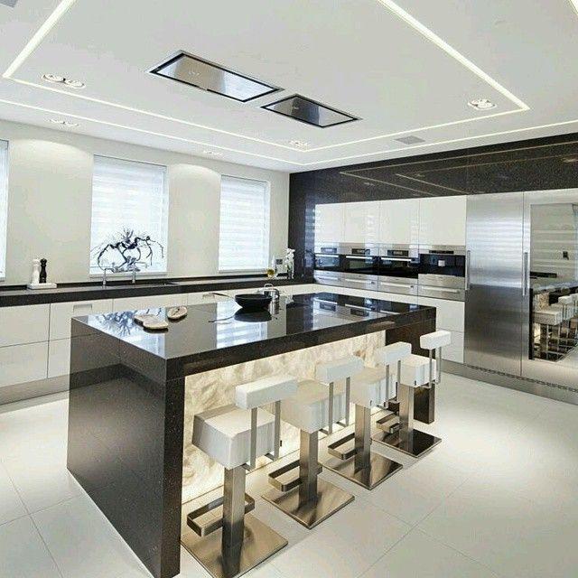 Expectacular dise o de cocina en isla que marca la diferencia con el gran trabajo de - Iluminacion en cocinas ...