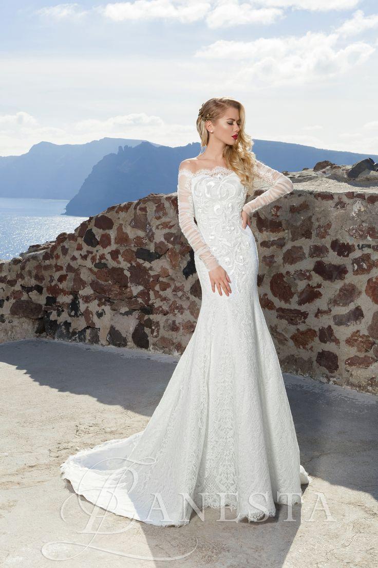 Angelika Rendelhető, Kölcsönzési díja: 135.000,- Ft  Hosszú ujjú sellő esküvői ruha.