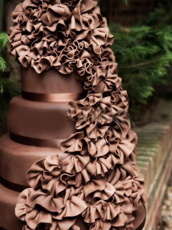 I'm gonna make my wedding colors match brown so I can get this cake and more chocolate