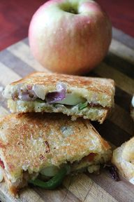 Sang's Grilled Cheese Sandwich with Apples!