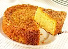 Torta de vainilla esponjosa