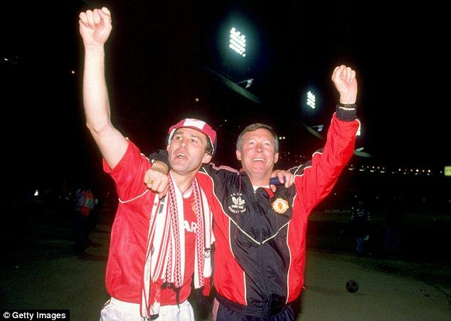 Robson and former manager Sir Alex Ferguson celebrate winning the FA Cup in 1991