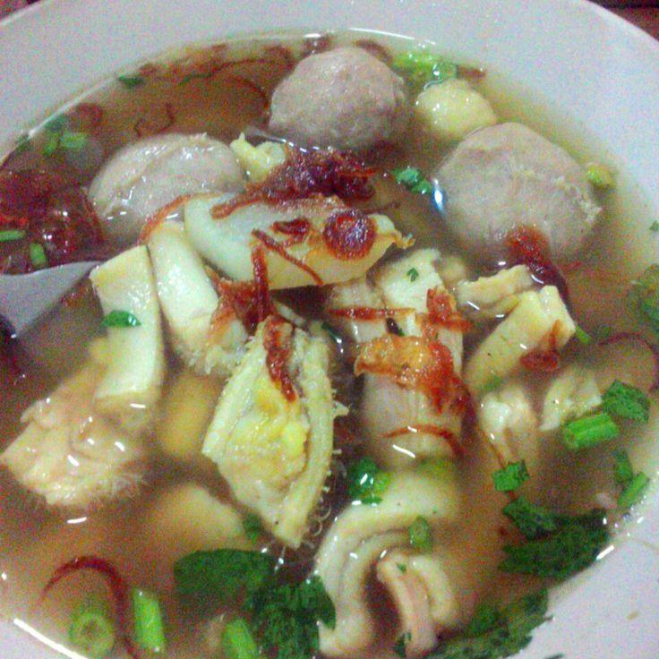 Soto bakso wijaya at Pasar Kuta,,, yummy,,,